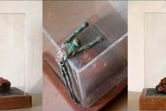 ottone-terracotta-resina-e-plexglas-cm58x30x30-1998